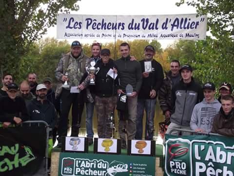Gaëtan gagne l(Open Float-tube de Moulins